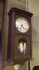 ゼンマイ式壁掛け時計