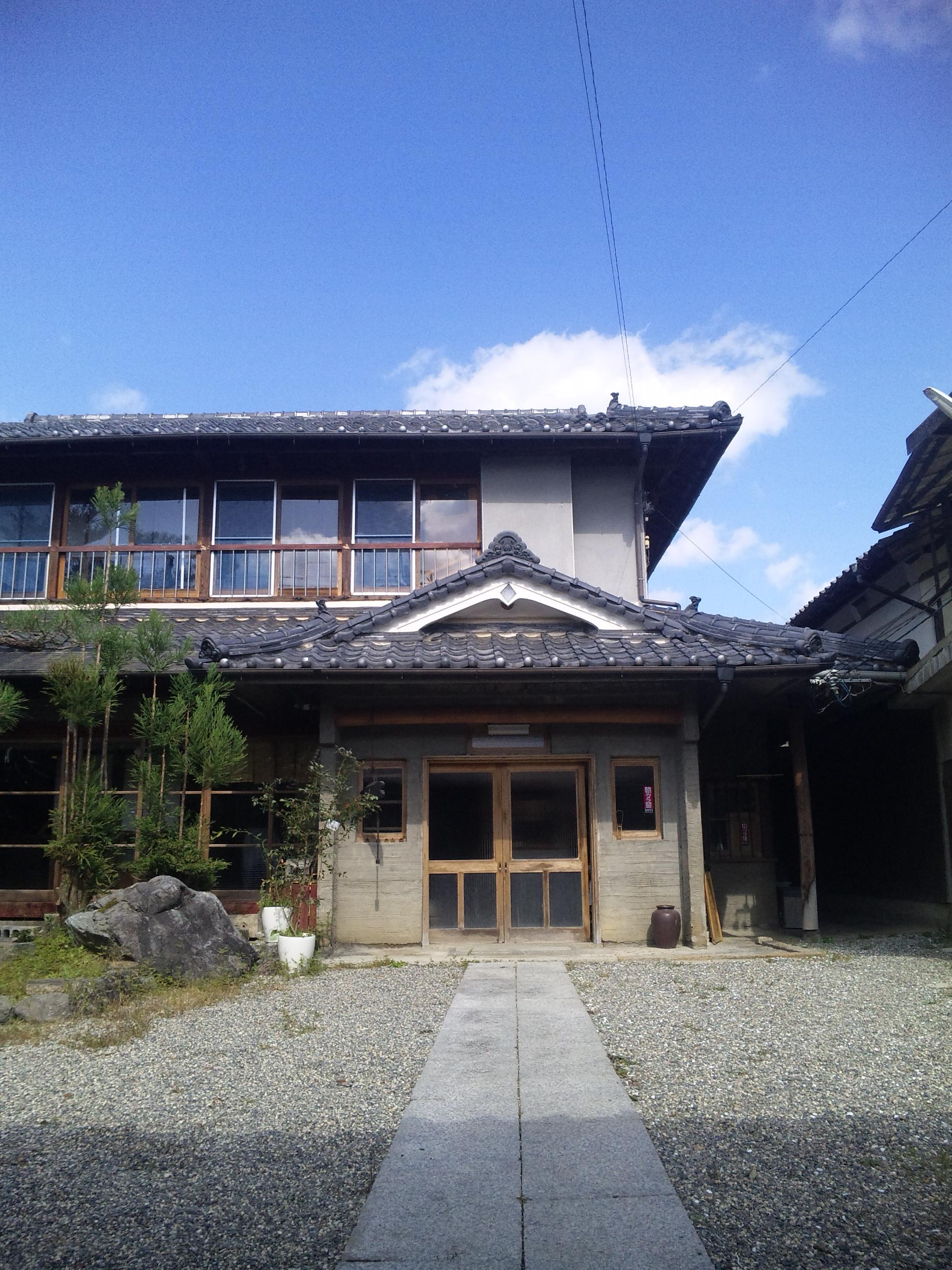 ゲストハウス藤原邸玄関