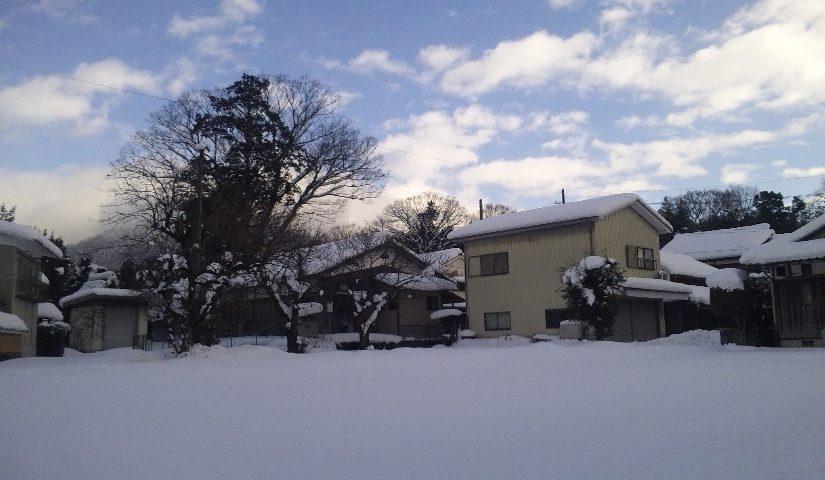 積雪の印地の集落