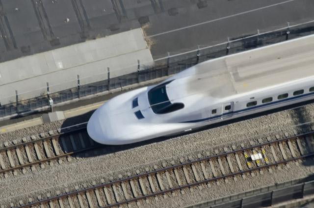 上空から見た新幹線